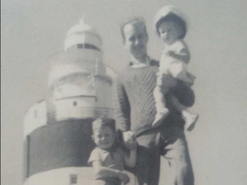 Hook Lighthouse-Keeper-Ray-Wickham-with-children-Robert-&-Geraldine-at-Hook-in-1969_600